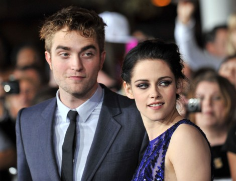 Kristen Stewart and Robert Pattinson Photographed Together, Begging For Attention 1015