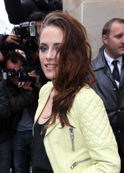 Kristen Stewart At Balenciaga Show - Hot Or Hot Mess? (Photos) 0927