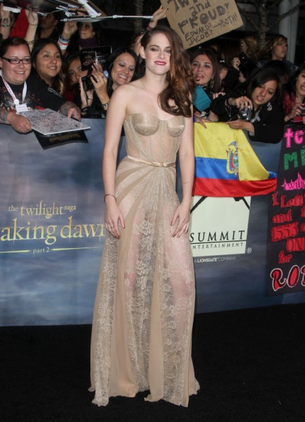 Kristen Stewart Nude And Unapologetic At Breaking Dawn - Part 2 Premier (Photos) 1113