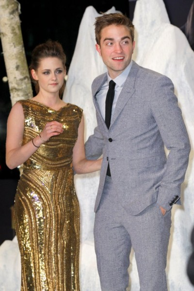 Kristen Stewart Struggles To Make Robert Pattinson Love Her 1130