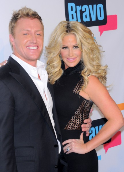 Kim Zolciak Fights Over Kroy Biermann After Attempting Sex On Airplane 0405