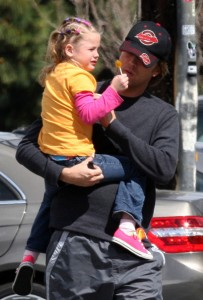 Larry Birkhead & Daughter Dannielynn Running Errands