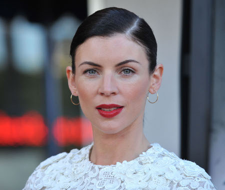 Liberty Ross Continues to Flaunt Bare Finger, Still Not Wearing Her Wedding Ring
