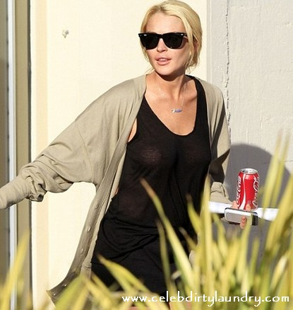 Lindsay Lohan And Her Nipples Show Up For Community Service