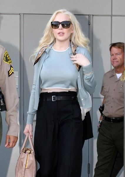 Lindsay Lohan Refuses To Pay Dawn Holland-Bradley For Rehab Assault