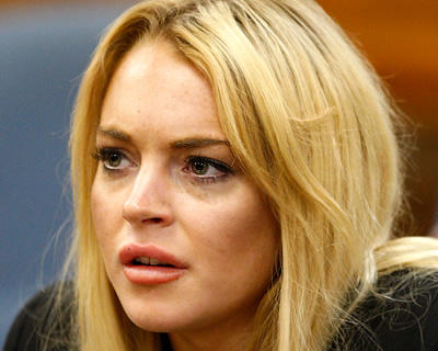 Lindsay Lohan Calls 911 - Treats Police Like Personal Security