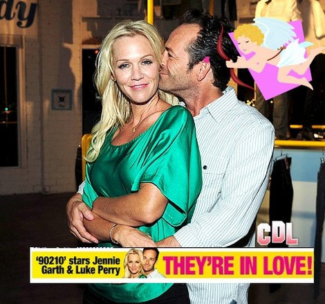 Hollywood Hookup: Luke Perry and Jennie Garth Are So In Love!
