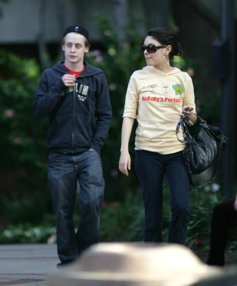 Macaulay Culkin Fights Ashton Kutcher For Mila Kunis 1025