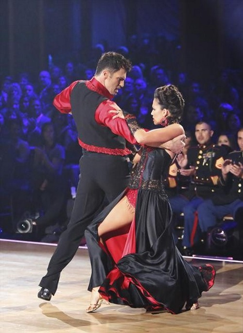 Melissa Rycroft Dancing With the Stars All-Stars Caveman Hustle Performance Video 11/19/12