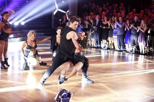 Video: Meryl Davis Dancing With the Stars Rumba 5/5/14 #DWTS