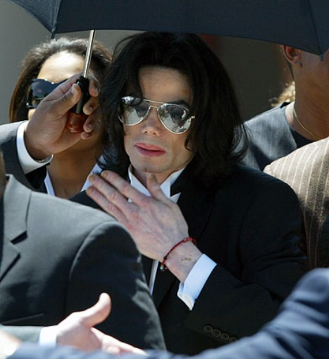 Michael Jackson Child Molestation Claim From Wade Robson - Breaking News 0507