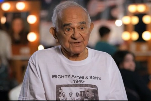 SEE Mike Greenstein 93 Years Old Pull Car With Teeth On America's Got Talent (VIDEO)