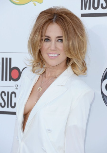 Miley Cyrus Is Engaged, Is She Pregnant?