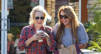 Miley Cyrus Hangs Out With Anna Oliver Girl Who Released Bong Video