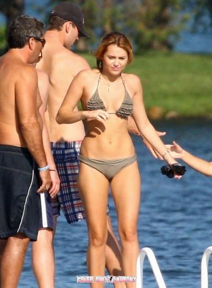 Miley Cyrus Enjoys A Getaway Weekend With BF Liam Hemsworth