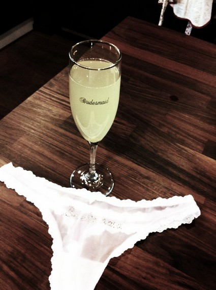 Miley Cyrus Tweets A Picture of Her Thong Underwear!