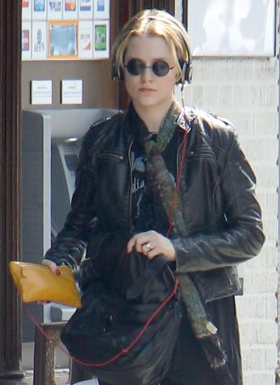 Evan Rachel Wood Jokes Miley Cyrus Gay For Cutting Her Hair, Fans Freak Out 0824