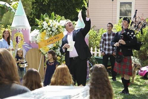 "Modern Family RECAP 9/25/13: Season 5 Premiere ""First Days"""