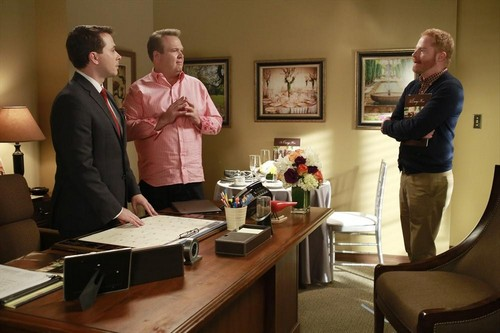 "Modern Family RECAP 1/8/14: Season 5 Episode 11 ""And One to Grow On"""