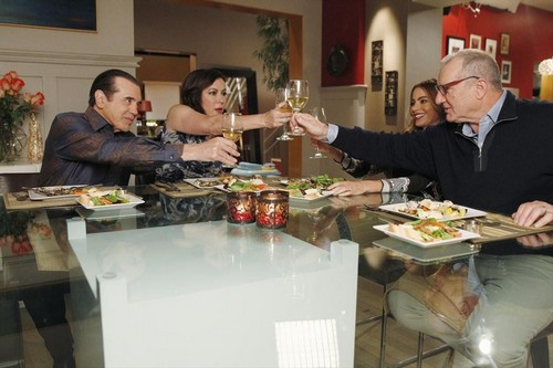 "Modern Family RECAP 1/22/14: Season 5 Episode 13 ""Three Dinners"""