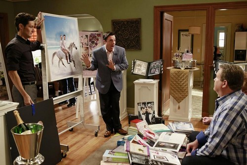 "Modern Family RECAP 10/23/13: Season 5 Episode 6 ""The Help"""