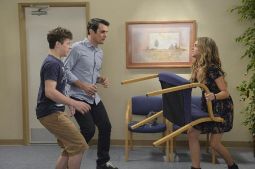 "Modern Family Recap 10/1/14: Season 6 Episode 2 ""Do Not Push"""