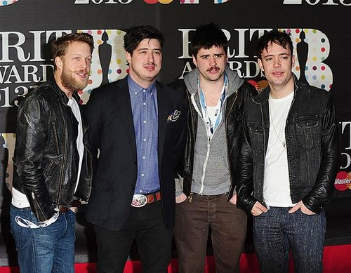 Mumford-and-sons-BRIT-Awards-2013-red-carpet-arrival