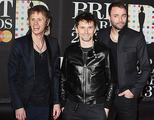 Muse-BRIT-Awards-2013-red-carpet-arrival