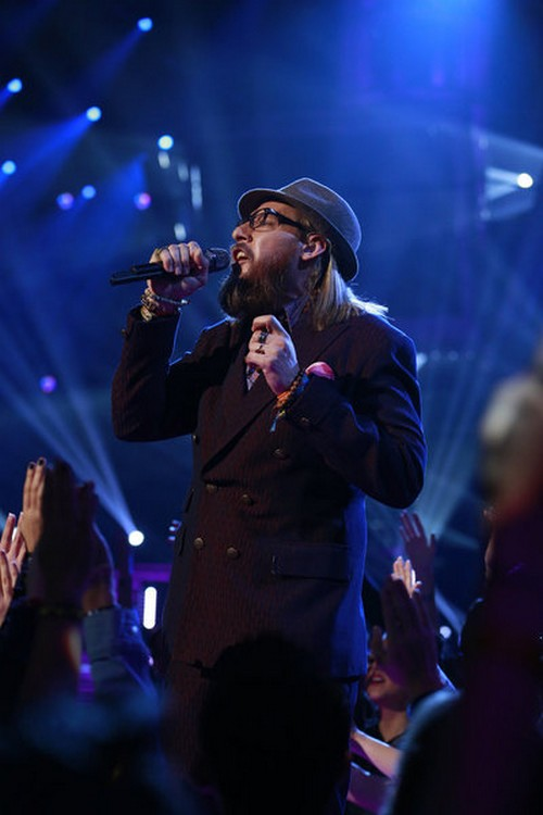 """Nicholas David Sings """"End Of The Road"""" The Voice 12/18/12 (Video)"""