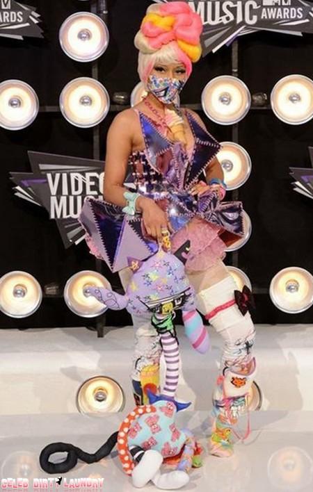 Nicki Manaj's Slutty 'Gremlin' Lap Dance (VIDEO)