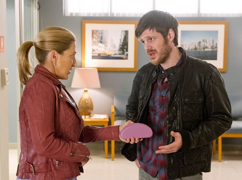 "Nurse Jackie RECAP 5/18/14: Season 6 Episode 6 ""Nancy Wood"""