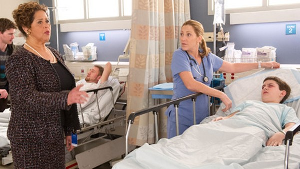 "Nurse Jackie Finale LIVE Recap: Season 6 ""Flight"""