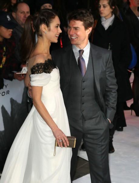 Tom Cruise Buying Olga Kurylenko's Love, Trying To Steal Her Away From Boyfriend 0415