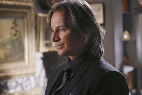 "Once Upon A Time Recap - ""Family Business"" Snow Queen's Plot Thickens: Season 4 Episode 6"