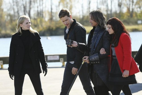 Once Upon a Time Season 3 Spring Preview and Spoilers: A Wicked Witch, Forgotten Memories, Oh My! (VIDEO)