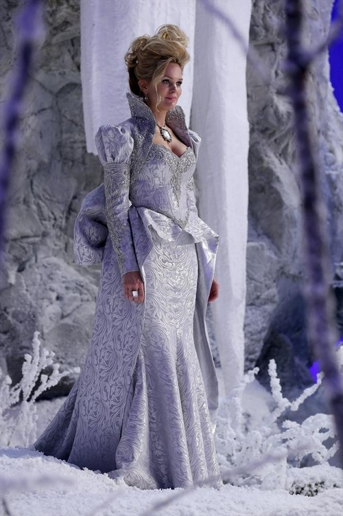 """Once Upon A Time RECAP 4/27/14: Season 3 Episode 19 """"A Curious Thing"""""""