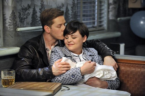 """Once Upon A Time RECAP 5/11/14: Season 3 Finale """"Snow Drifts""""/""""There's No Place Like Home"""""""
