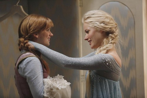 "Once Upon A Time Season 4 Premiere Recap - ""A Tale of Two Sisters"""
