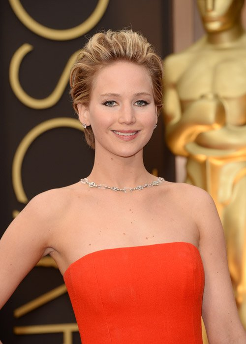 Jennifer Lawrence Takes A Major Stumble At The 86th Academy Awards - Oscars 2014! (VIDEO)