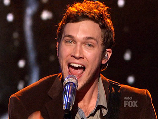 Phillip Phillips American Idol 2012 'I'm Going To Wait For The Midnight Hour' Video 4/18/12