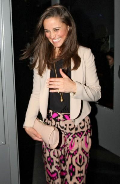 Pippa Middleton Working As Contributing Editor For Vanity Fair, Denies Wedding Rumors 0606