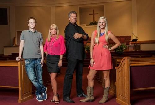 "Preachers' Daughters RECAP 3/5/14: Season 2 Premiere ""Raising Hell"""