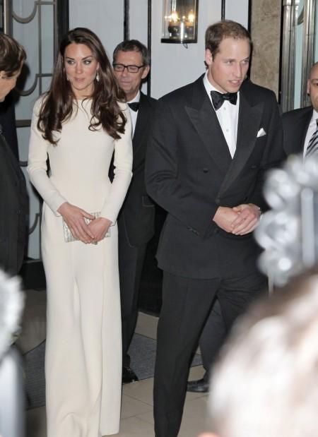 Pregnant Kate Middleton Smoking In Topless Photos? 0914
