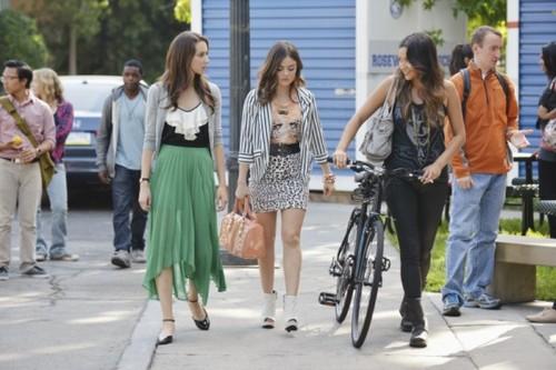 "Pretty Little Liars Season 3 Episode 14 ""She's Better Now"" Recap 01/08/13"
