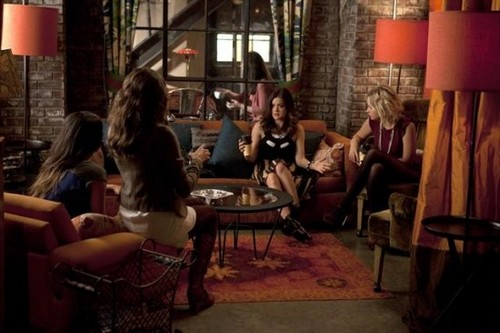 "Pretty Little Liars Season 3 Episode 15 ""Mona-Mania!"" Recaps 01/15/13"