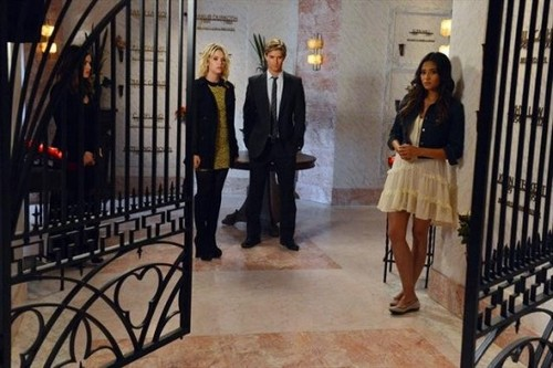 """Pretty Little Liars RECAP 2/12/13: Season 3 Episode 19 """"What Becomes of the Broken-Hearted"""""""