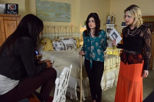 """Pretty Little Liars RECAP 2/26/13: Season 3 Episode 21 """"Out of Sight, Out of Mind"""""""