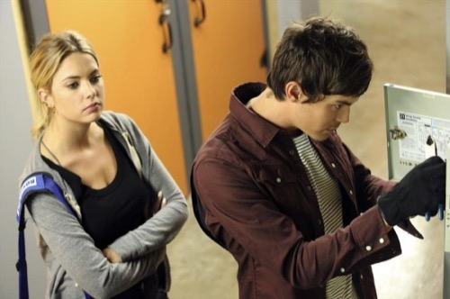 "Pretty Little Liars Recap - ""The Bin of Sin"" - Season 5 Episode 17"