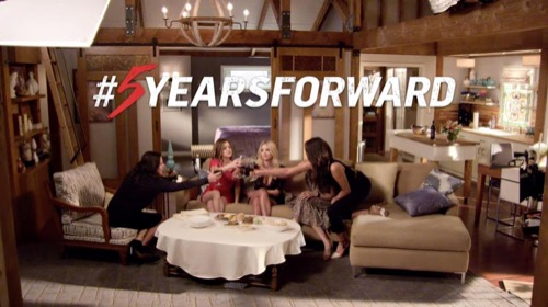 "Pretty Little Liars Recap 11/24/15 Special Episode ""5 Years Forward"""