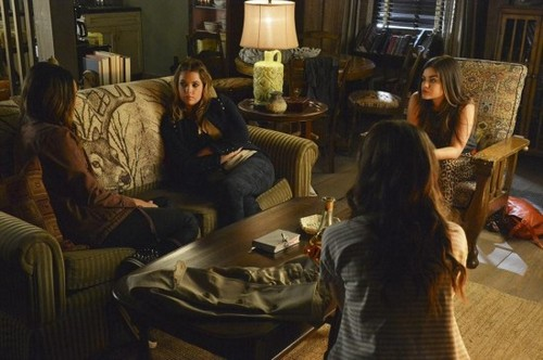 "Pretty Little Liars RECAP 1/14/14: Season 4 Episode 15 ""Love ShAck Baby"""